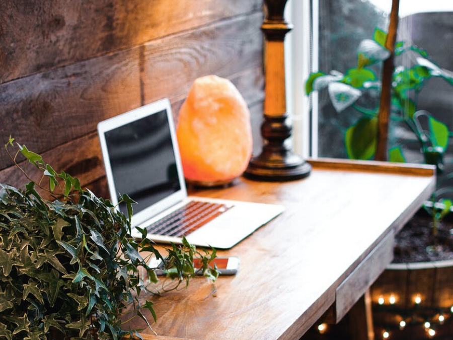 Here's why you should put a salt lamp in your home